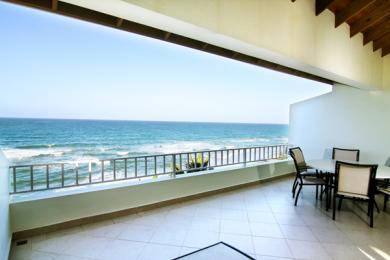 Remax Exclusive - 3 br Beachfront Penthouse, Price Slashed! Financing Available