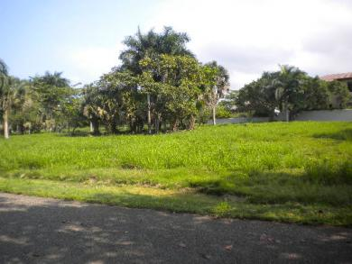 Row 2 lot in Exclusive Ocean Front Gated Community