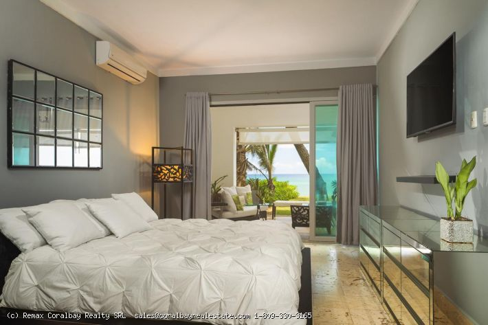 Beachfront - Exclusive Caribbean Condo with Spectacular Ocean View