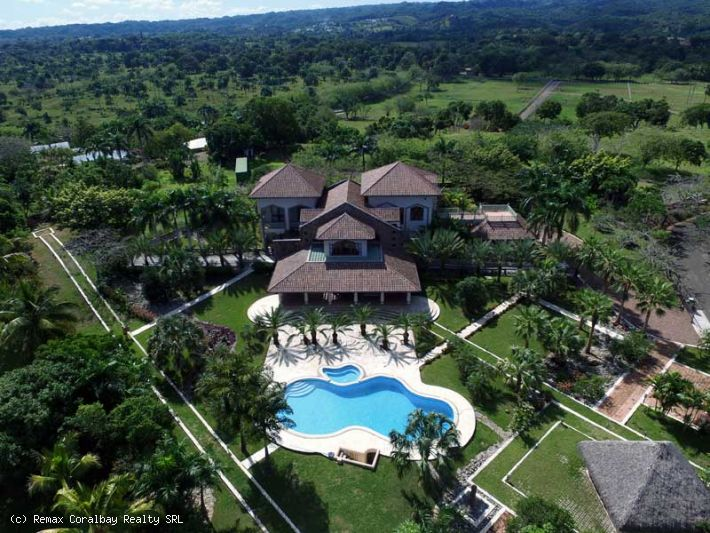 Luxurious Villa in 5* Gated Community