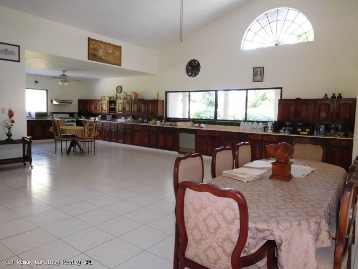 Large 3 bedroom family house ...