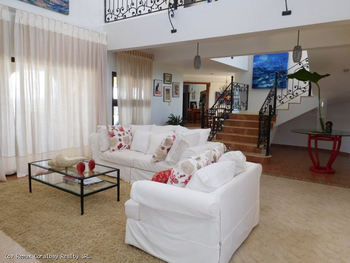 Large Villa with panoramic views !!!