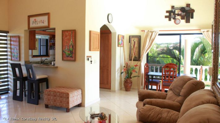 Villa with separate apartment ...