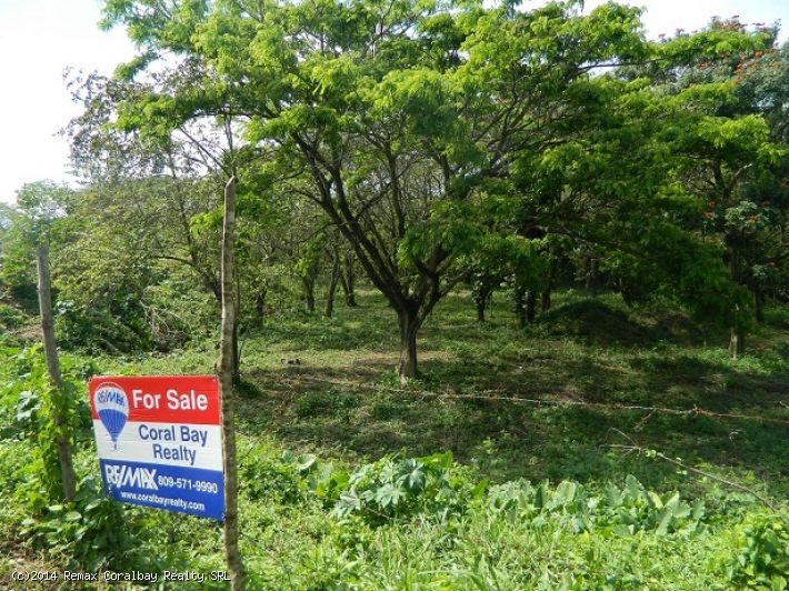 Commercial land in PRIME location !!